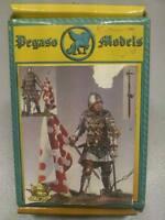 PEGASO MODELS - CAVALIERE INGLESE CON BANDIERA 1350-70 - 54 mm - 54-106
