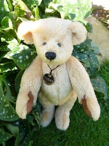 """Beautiful bear """"Bryn"""" Limited edition Deansragbook."""