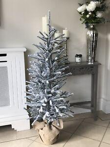 medium frosted mini Christmas tree ( 127CM)