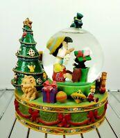 Disney Pinocchio snow globe music box Christmas