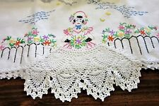 Vintage Hand Embroidered Southern Belle Cottage Pillowcase Set Crochet Lace Trim