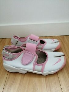 Nike Air Rifts White Leather and Baby Pink Split Toe Design Trainers - Size 5.5