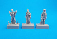 CMK 1/72 Two French Pilots and a Mechanic # F72308