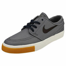 d236f136cd2 Zapatillas deportivas de hombre grises Nike