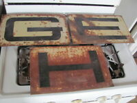Original GEHL Machinery Dealer 3 Piece Metal Sign