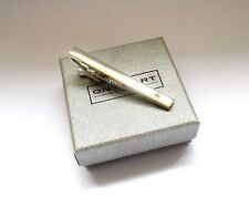 TIE BAR-SHINY SILVER STYLE METAL with a SINGLE DIAMANTE CRYSTAL-GIFT BOXED & NEW