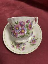 Hermoso Royal Albert septiembre flor del mes Copa Y PLATILLO Santo