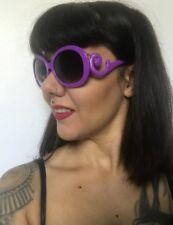 Grosses lunettes de soleil oversize violettes branches vague retro pinup vintage