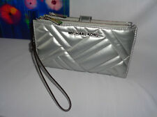 MICHAEL KORS PEYTON LARGE  DOUBLE ZIP WRISTLET IPHONE CLUTCH QUILTED SILVER