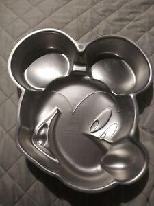Mickey/Minnie Mouse Cake Pan