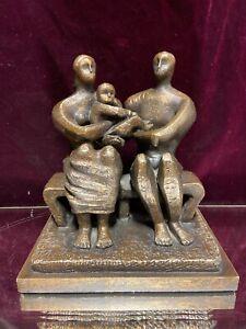VTG. Acrylic Resin Mid Century Style Loving Family Statue