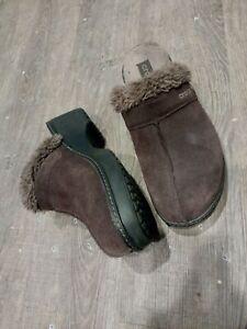 Crocs Women's 'Cobbler Leather Clog' Brown Suede Casual Shoes w10