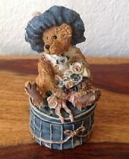 Boyds Bears~Boyds Bears & Friends~Victoria The Lady~1993~2bE/2251~Evc