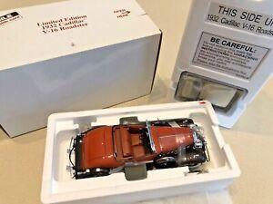 Danbury Mint Limited Edition 1932 Cadillac V-16 Roadster - Die-Cast 1:24 - NIB!