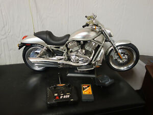 NEW BRIGHT HARLEY DAVIDSON V-ROD Large Scale REMOTE CONTROL MOTORCYCLE