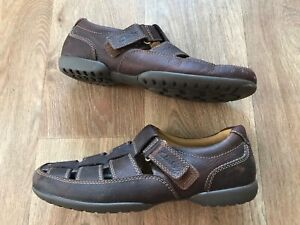 Clarks brown leather Roman style sandals size 7