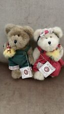 Boyds Bears - Cassie Cooper #904404 & Calvin Cooper #904403 with Roosters