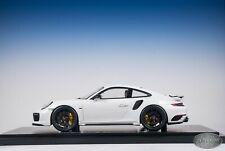 1/18 Spark Porsche 911 Turbo S Exclusive Series Plain White Dealer Edition