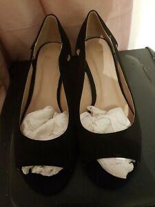 Ladies Suedette Shoes Size 10
