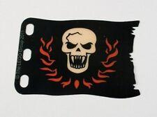 LEGO - Plastic Flag 8 x 5 w/ White Skull w/ Fangs & Red Flames Pattern - Black