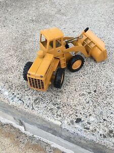 Ertl 1/24 Or 1/25 International Payloader , Brand New , Never Used , No Box .