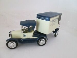 ERTL COLLECTIBLES 1918 FORD CAB AND TRAILER 1/25 DIE-CAST CARS BOYS GIRLS 8 UP