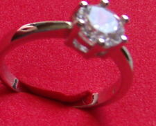 925 Sterling Silver  1ct solitaire size 7 modified Tiffany setting new unused