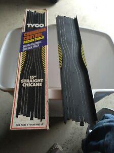 "Vintage Tyco Command Control 15""  Straight Chicane Track w/box"