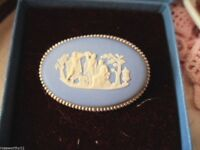 VINTAGE WEDGWOOD BROOCH PIN BLUE WHITE JASPERWARE STERLING SILVER in ORIG BOX