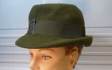 Chapeau en feutre vert années 1950, France …