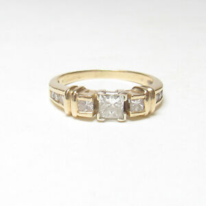 Estate 14K Yellow Gold 0.40 Ct White Princess Cut Diamond Ring 0.66 Cts Total