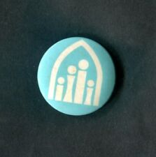 Vintage Tin Pin Badge: Religious, 4 People Under Arch: White/Blue