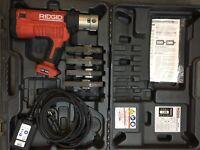 Ridgid Akku-Presswerkzeug RP340-B gebraucht V18/V22/V28/V35 Netzadapter