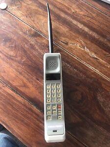 Vintage Motorola 8000S Phone With Aerial - Brick Phone -Vodafone