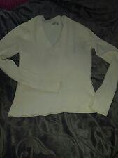 Cremefarbener Pullover mit V-Auschnitt von Madonna lt. Etikett XL, eher M