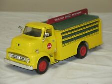 COCA-COLA 1953 FORD C-500 BOTTLER'S DELIVERY TRUCK 1:32 ERTL BANK WITH KEY