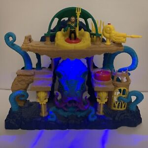 Fisher Price Imaginext Aquaman Playset With Aqua Man Figure - Trident - Missile