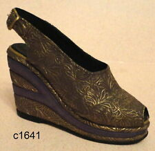 Just the Right Shoe - Golden Leaf 25098 - New In Box Coa