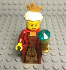 Lego Castle / Kingdoms Grandma Queen Female Mini Figure With Tiara And Scepter