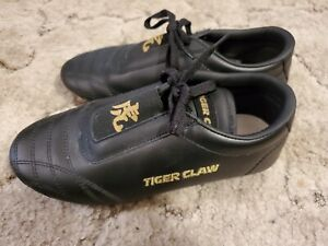 Tiger Claw Black Leather Karate Martial Arts Mma Mat Shoes- Size 6- With Bag!