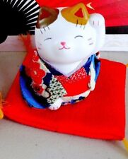 JAPANESE WHITE LUCKY CAT BLUE ORNAMENT FIGURE CHINESE NEW YEAR XMAS PARTY 302B-1