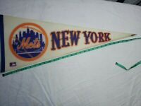 Vintage 1970's New York Mets Pennant Flag