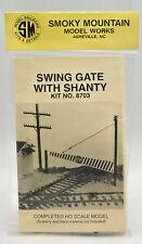 SMOKY MOUNTAIN HO SCALE 8703 SWING GATE WITH SHANTY KIT --A1C