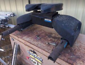 Reese Elite 16K 5th Wheel Hitch & Slider Unit Used