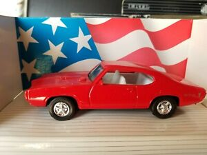 Ertl 2589 Pontiac 1968 GTO Automobile 1/43 Diecast MIB