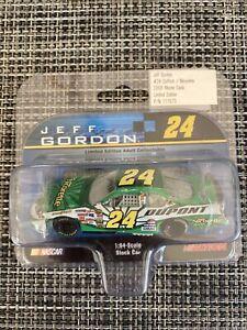 Action Jeff Gordon #24 DuPont/Nicorette  2006 NASCAR Diecast 1:64