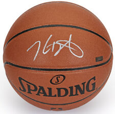 KEVIN DURANT Autographed (Silver) Spalding Basketball PANINI