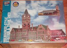WALTHERS 933-2943 MILWAUKEE STYLE STATION & TRAIN SHED