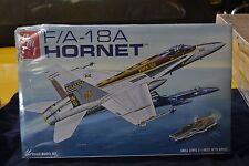 AMT 779/12 F/A - 18A Hornet 1:48 Model Kit - NEW