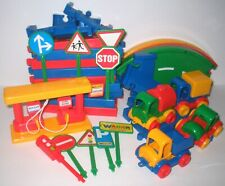 KNUFFIELAND Wader Toys Play Set Roadway & Vehicles - GERMANY